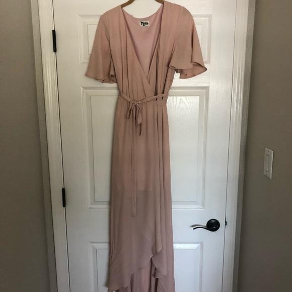 fdee15d3be6 ShowMeYourMumu Sophia Wrap Dress Dusty Blush Crisp.  M 5b498205dcf8551ecef182e5